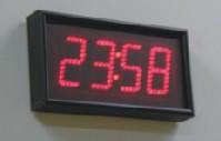 ساعة الحائط الرقمية ub440